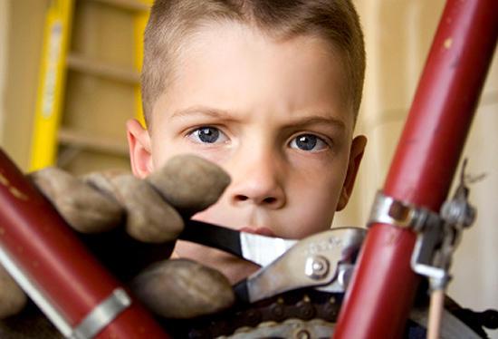 Сам или не сам? Как помочь ребенку, не делая за него его работу?