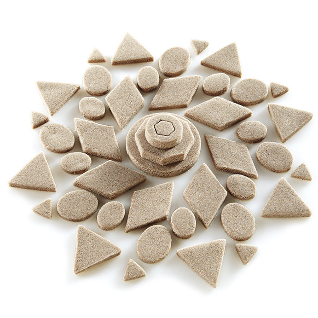 Brookstone-Kinetic-Sand-1[1]